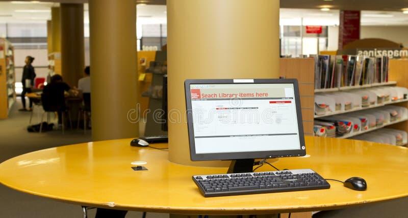 Biblioteczny komputer obraz stock