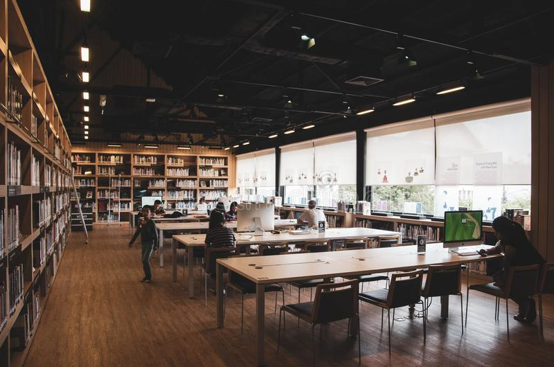 Biblioteka dla uczyć się sztuki obrazy stock