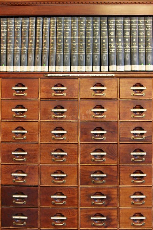 Bibliothèque d'acajou photo stock