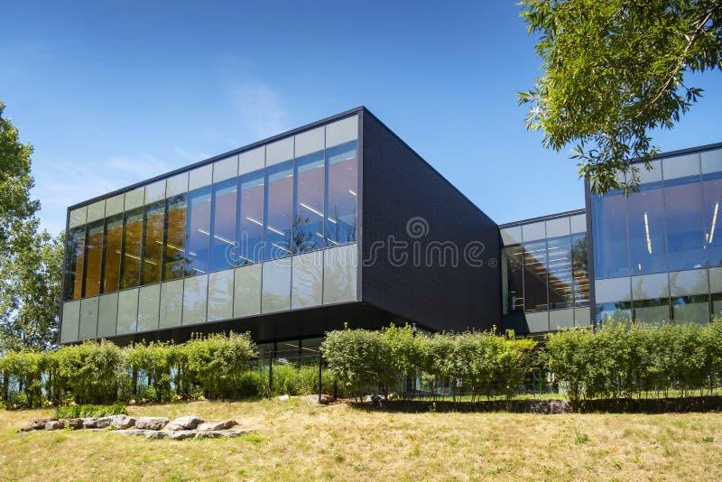 Bibliothèque moderne d'architecture de saint-Eustache images libres de droits