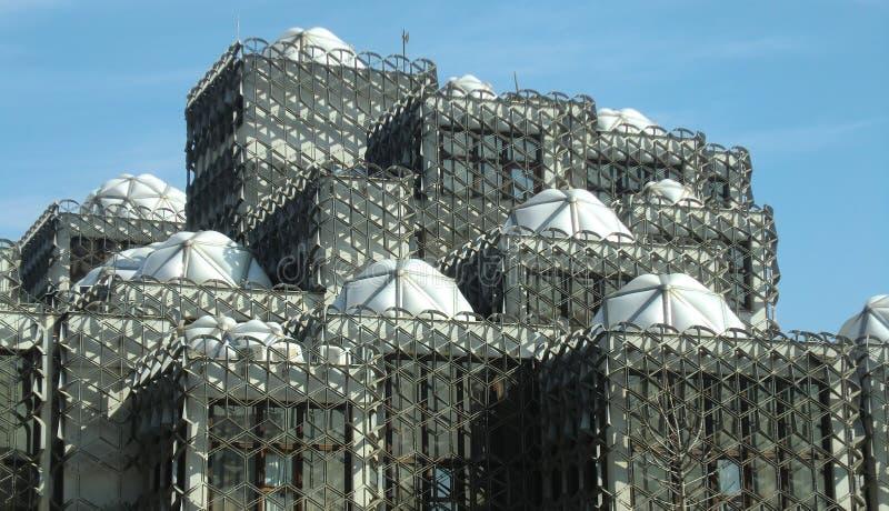Bibliothèque nationale de Kosovo dans Pristina photo libre de droits