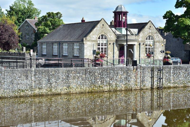 Bibliothèque publique dans Kilkenny image libre de droits
