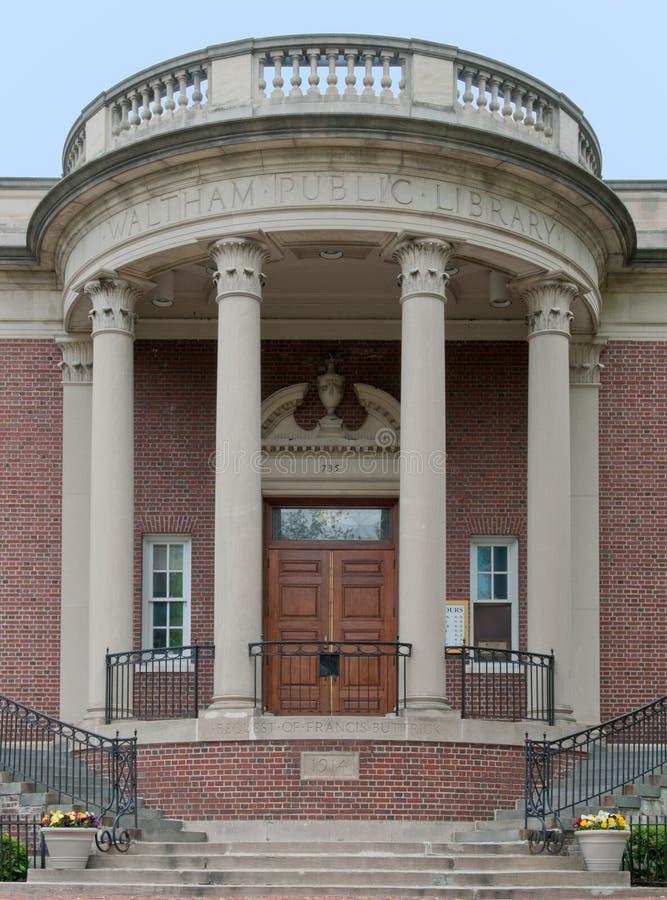 Download Bibliothèque Publique De Waltham Photographie éditorial - Image du escaliers, brique: 87702387