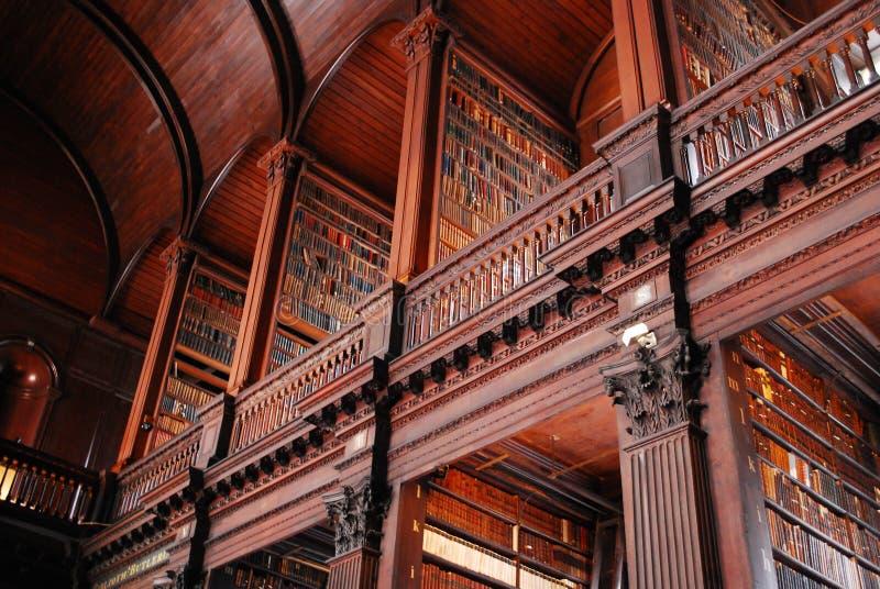 Bibliothèque universitaire de trinité, université de Dublin images stock