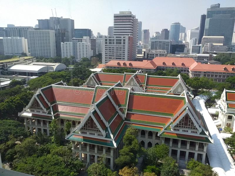 Bibliothek der Universität Chulalongkorn, die älteste Universität Thailands stockbilder