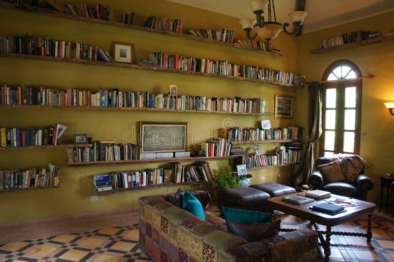 Bibliothek an La-Casade Lourdes stockbild