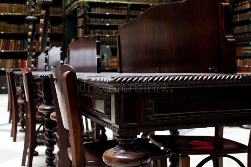 Bibliotheks-Schreibtisch stockfotografie