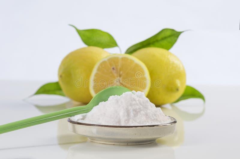 Bicarbonato de sodio del bicarbonato de sosa medicinal y aplicaciones del hogar imagenes de archivo