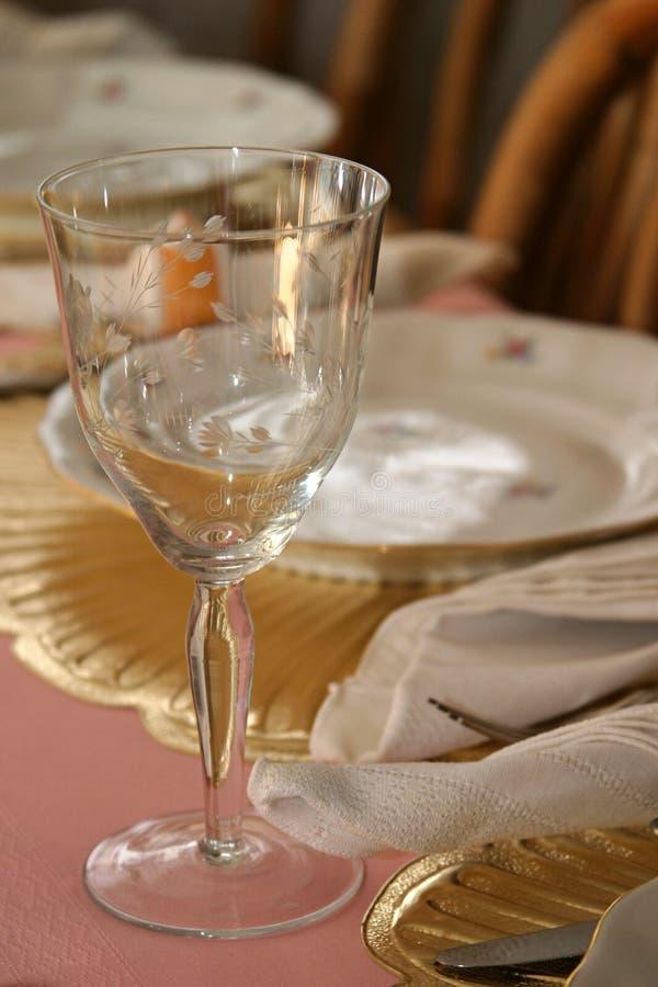 Bicchiere di vino alla tabella 1 immagini stock libere da diritti