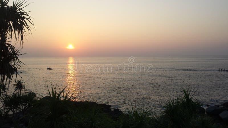 Bich do paraíso do por do sol de Phuket imagem de stock royalty free