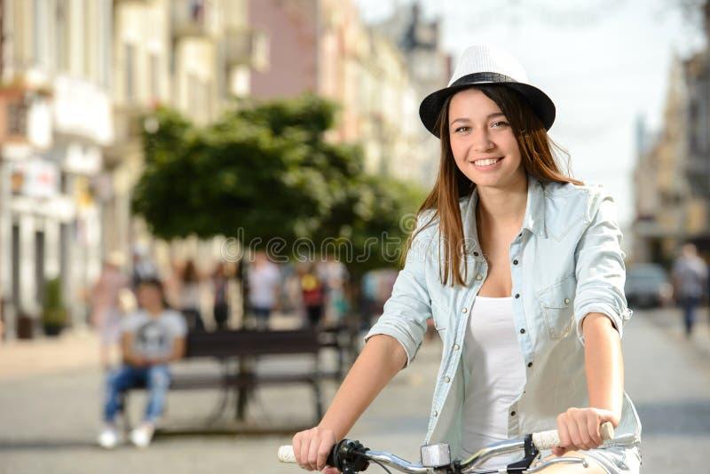 Download Bici de la calle imagen de archivo. Imagen de activo - 44851811