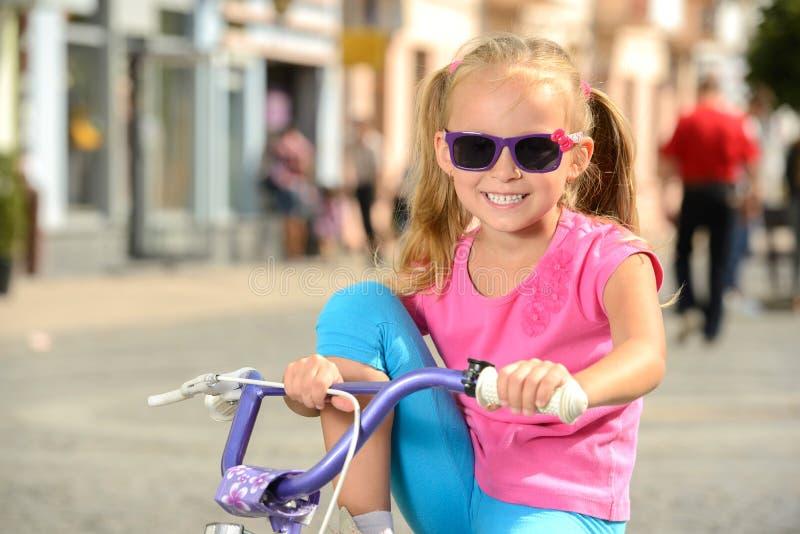 Download Bici de la calle foto de archivo. Imagen de caucásico - 44852548