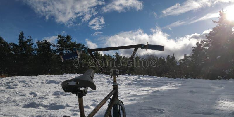Bici de la nieve imagen de archivo