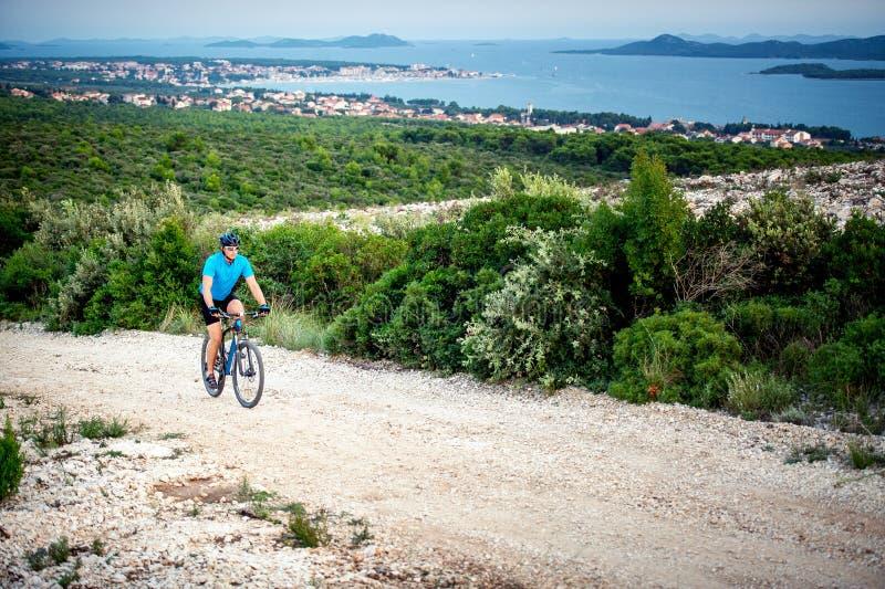 Bici de montaña foto de archivo libre de regalías