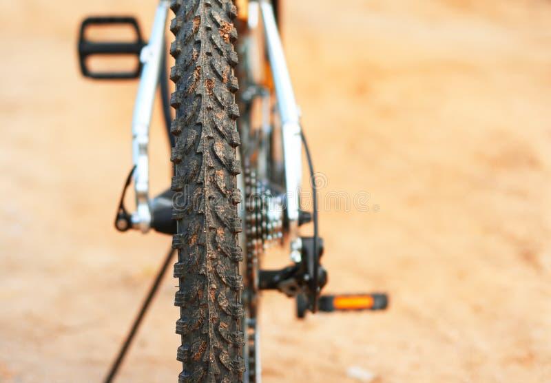 Bici de montaña. Protector sucio de una bicicleta fotografía de archivo libre de regalías