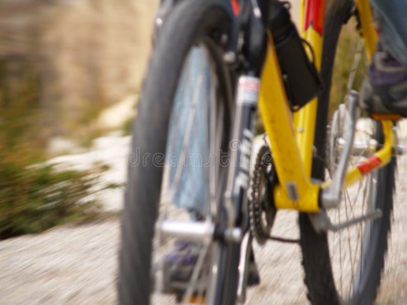 Bici di montagna nel movimento immagini stock libere da diritti