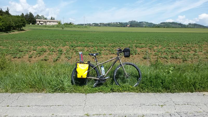 Bici di viaggio immagine stock
