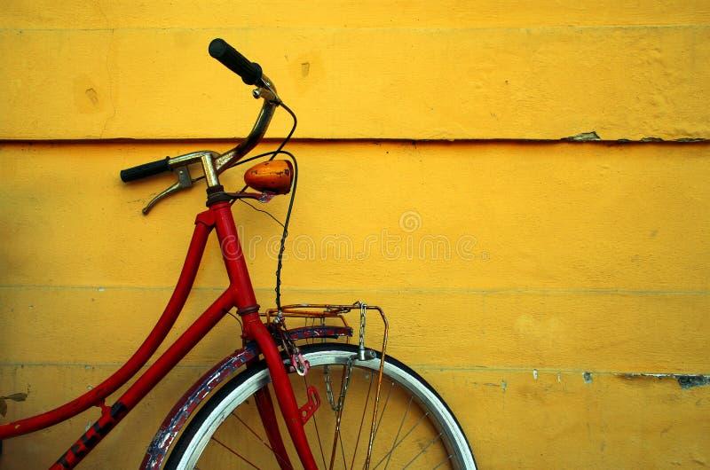 Bici rossa fotografie stock libere da diritti
