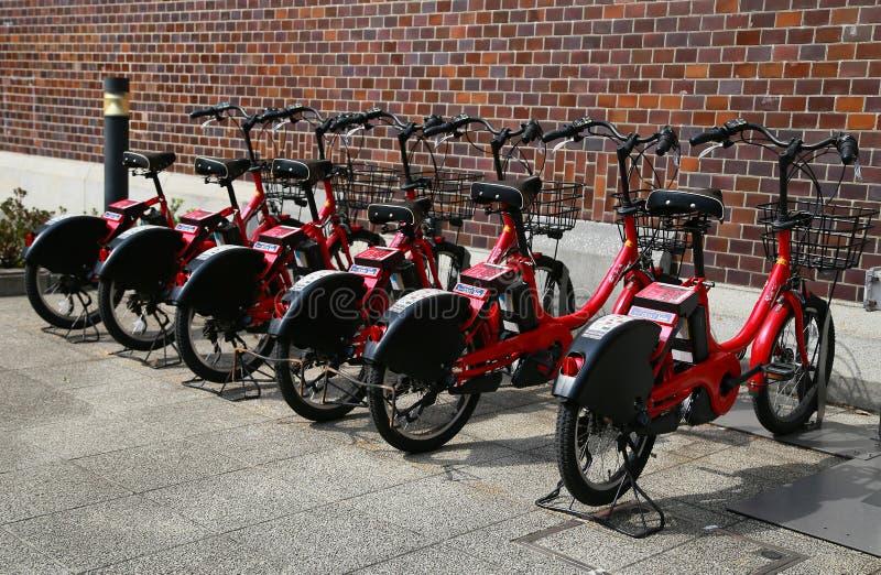Bicicleta alugado da gestão do municipal da cidade de Yokohama do japonês fotos de stock royalty free