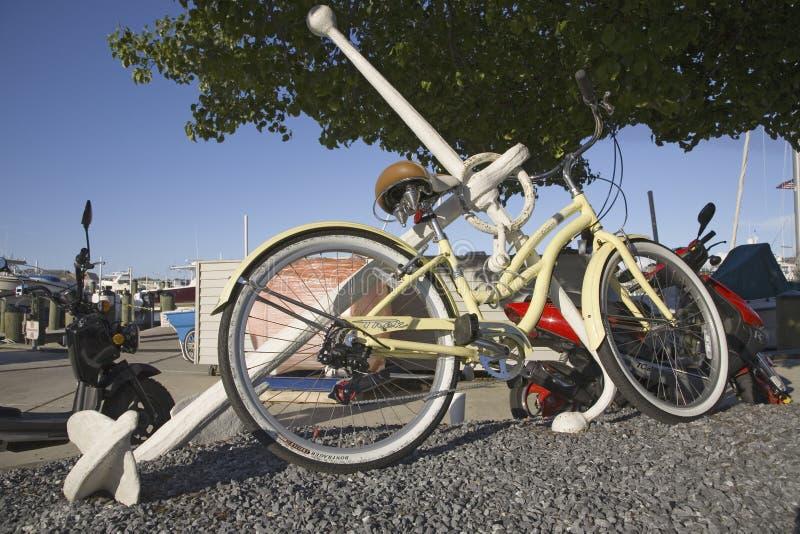 Bicicleta branca fotografia de stock royalty free