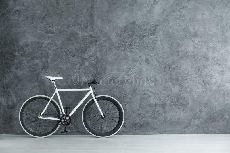 Bicicleta com espaço da cópia foto de stock