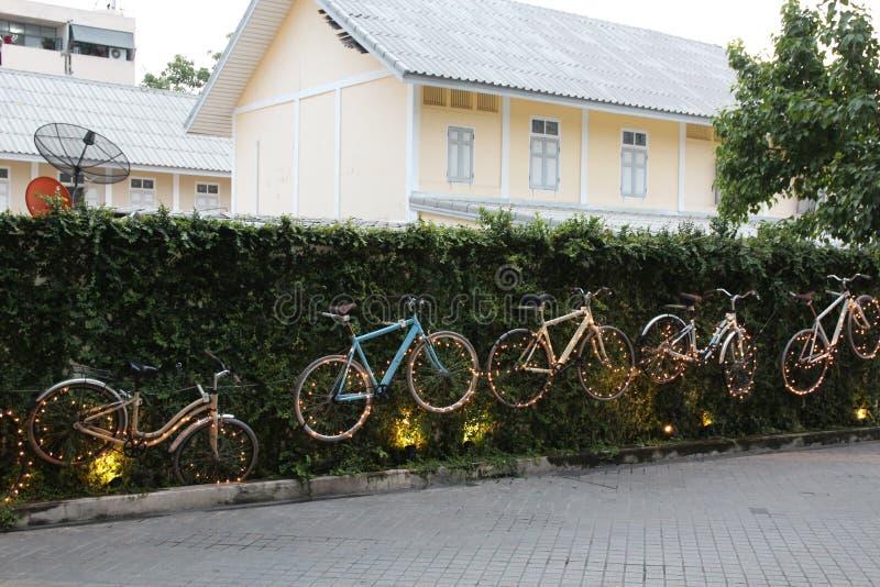 Bicicleta con la iluminación hermosa foto de archivo libre de regalías