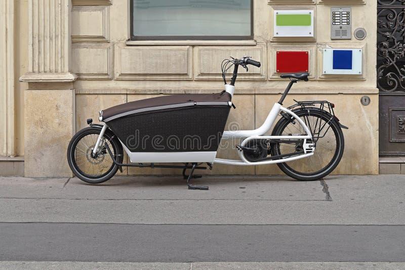 Bicicleta da carga imagem de stock