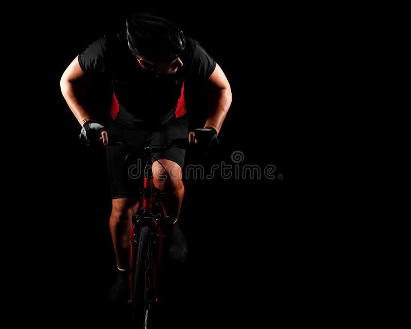Bicicleta da equitação do ciclista imagem de stock royalty free