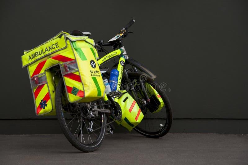 Bicicleta de la ambulancia fotografía de archivo libre de regalías
