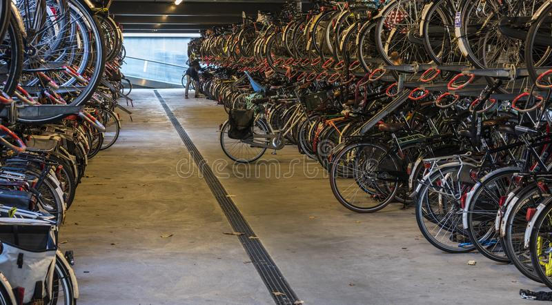 Bicicleta derramada em Nijmegen, Países Baixos fotografia de stock royalty free