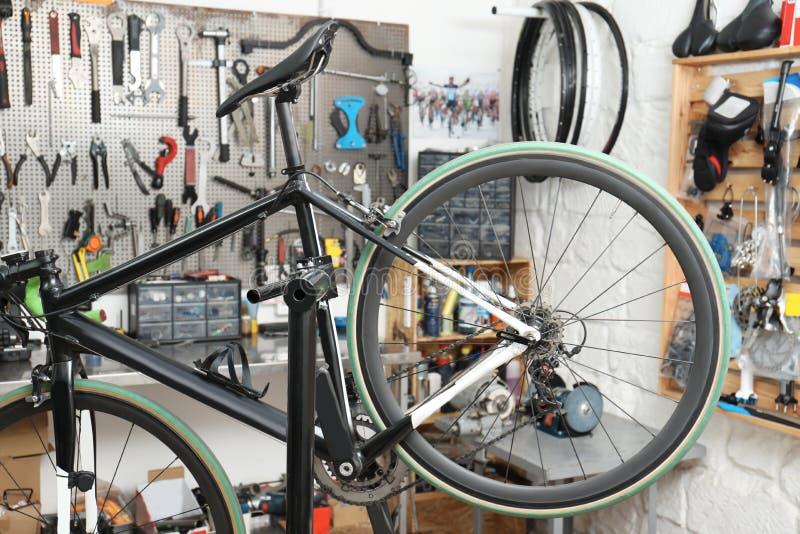 Bicicleta do esporte pronta para a experiência fotografia de stock royalty free