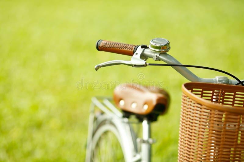 Bicicleta en el parque fotografía de archivo