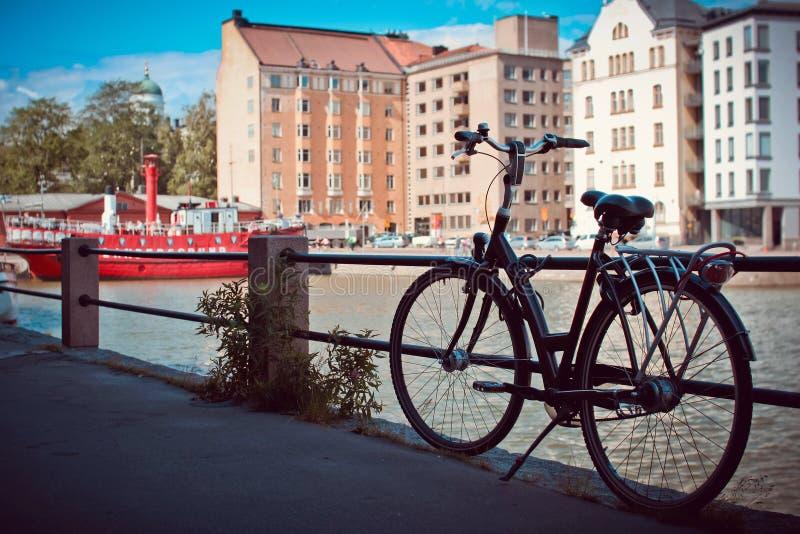 Bicicleta en Helsinki fotografía de archivo libre de regalías