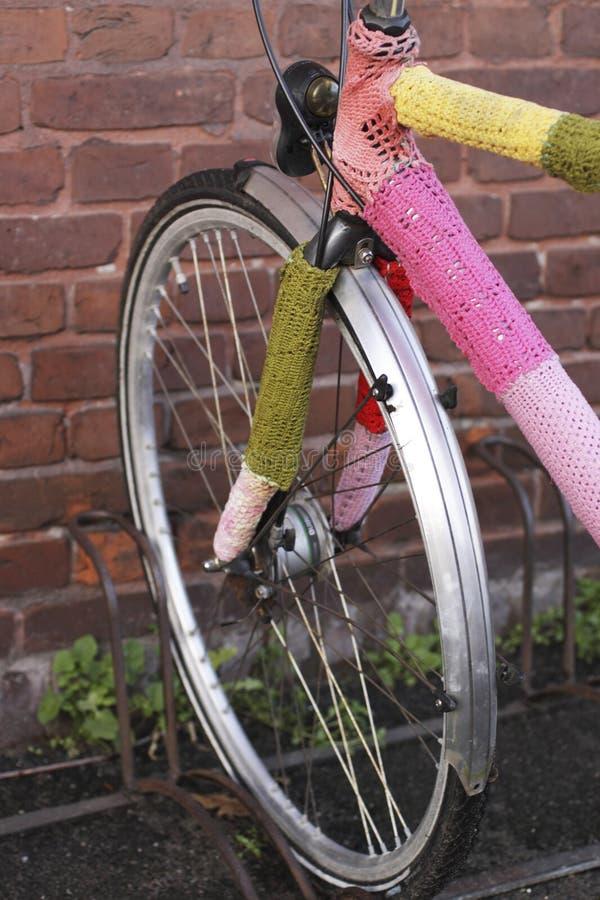 A bicicleta faz crochê dentro imagem de stock