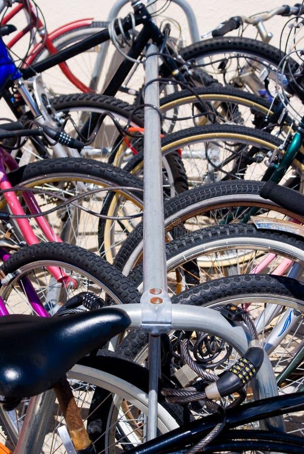 Bicicleta Locked-up fotografia de stock royalty free