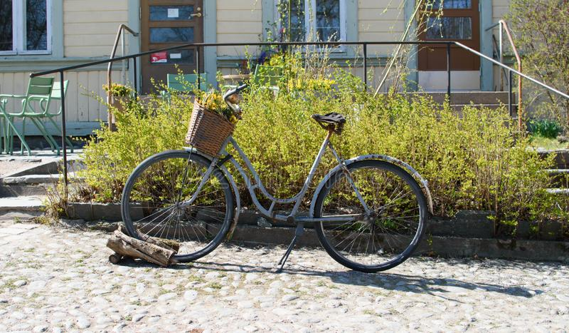Bicicleta oxidada velha foto de stock