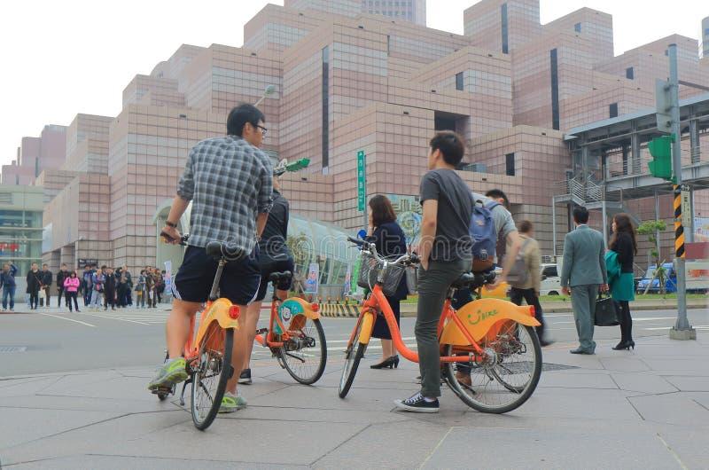 Bicicleta pública de Youbike que compartilha do serviço Taipei Taiwan imagens de stock royalty free