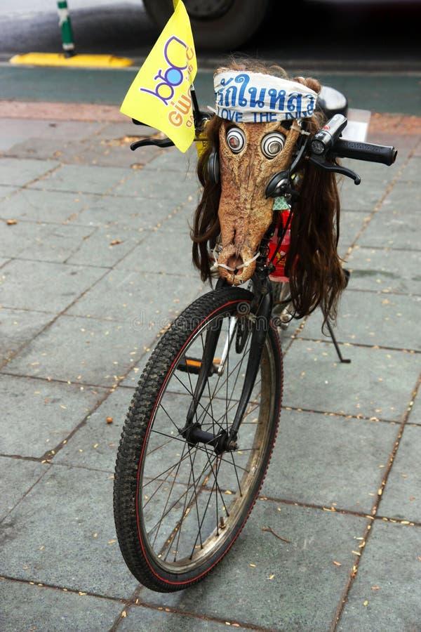 Bicicleta para fora enganada em Banguecoque foto de stock royalty free