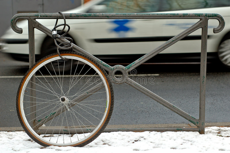 Bicicleta robada foto de archivo