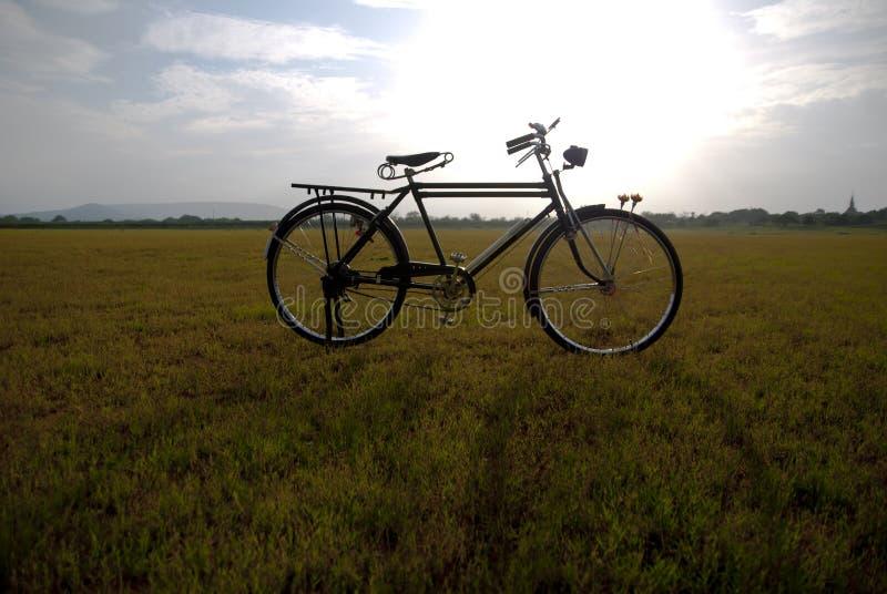 Bicicleta velha em Tailândia fotografia de stock
