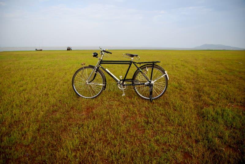 Bicicleta velha em Tailândia fotos de stock