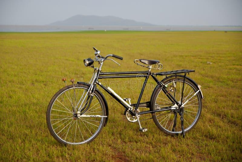 Bicicleta velha em Tailândia imagem de stock