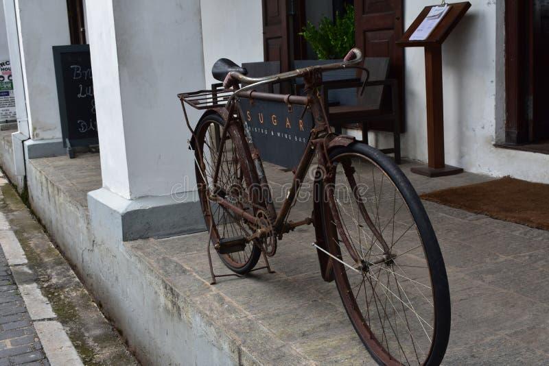 Bicicleta velha Sri Lanka do pé imagem de stock
