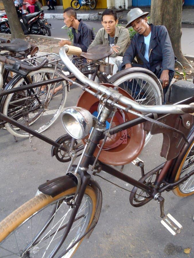 Bicicleta vieja imagen de archivo libre de regalías