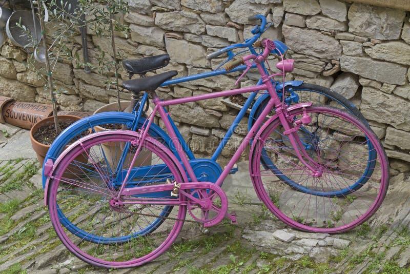 Bicicletas coloridas fotografia de stock royalty free