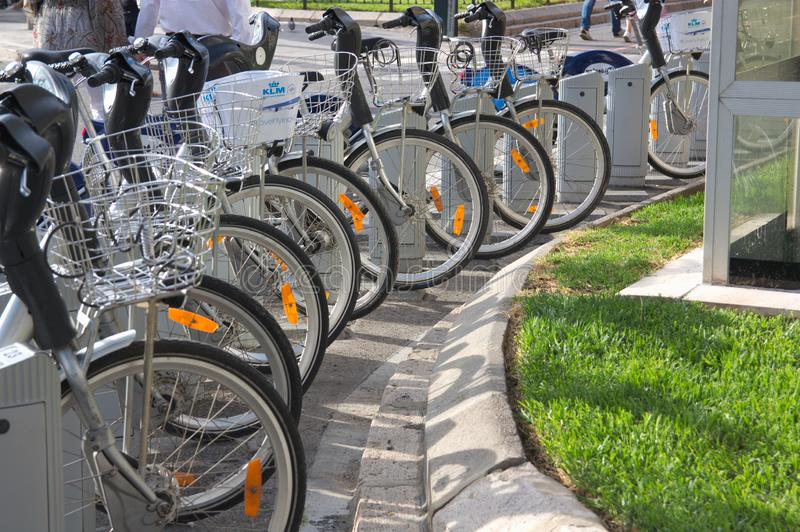 Bicicletas da cidade de Valência, spain foto de stock royalty free