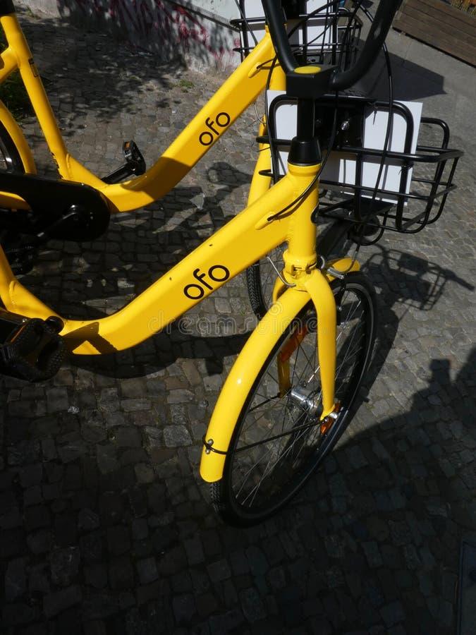 Bicicletas da empresa de Ofo imagens de stock