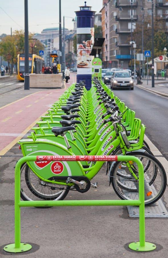 """Bicicletas de alquiler públicas de BUBI en el †de Budapest/de Hungría """"27 de octubre de 2018 imágenes de archivo libres de regalías"""
