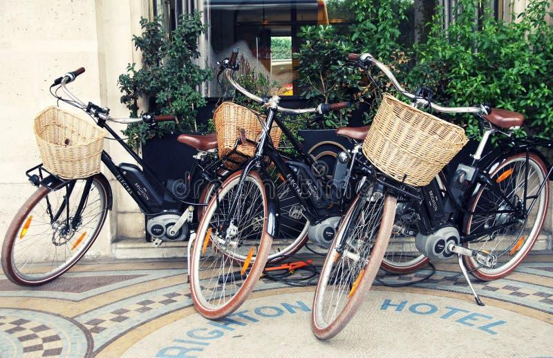 Bicicletas en París imagen de archivo