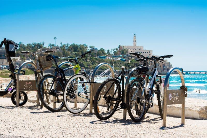 Bicicletas en Tel Aviv imagen de archivo